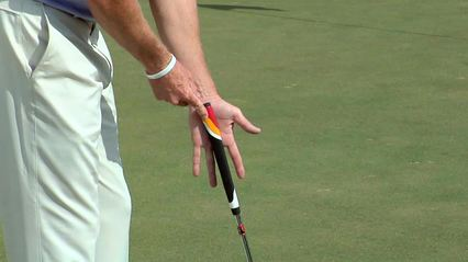 How to Grip the Putter