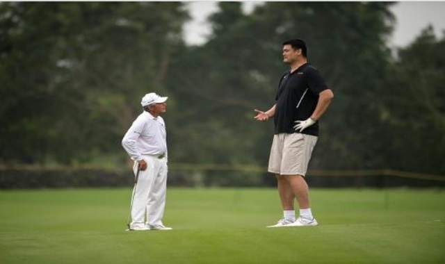 Yao Ming… and His Golf Swing