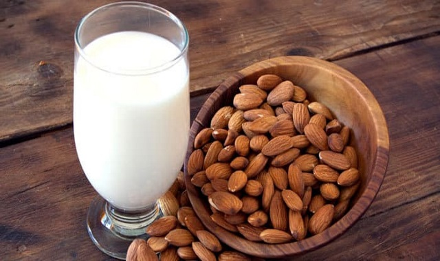 Almond Milk: The Benefits and then Some