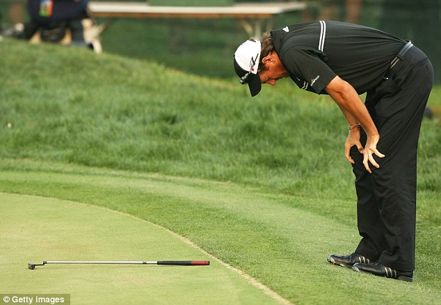 Study Shows That Pro-Golfers Are Still Human! Any Person In This Situation May Very Well Fold