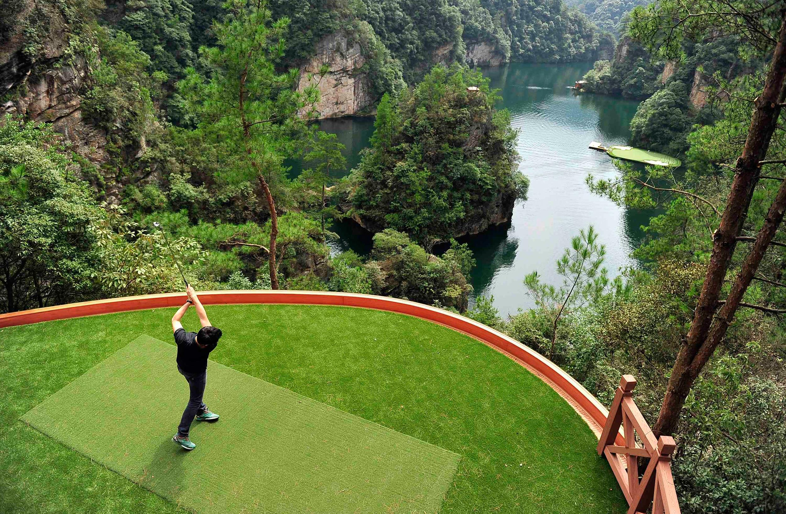 In China, Being A Golfer Is Dangerous! Golfers Aren't Evil, But After This, You May Just Agree!